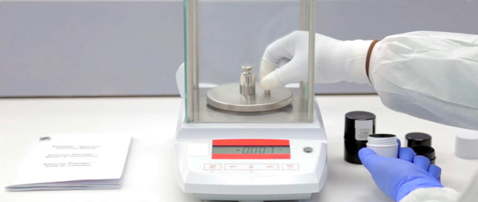 Analytical Balance: Level & Calibration